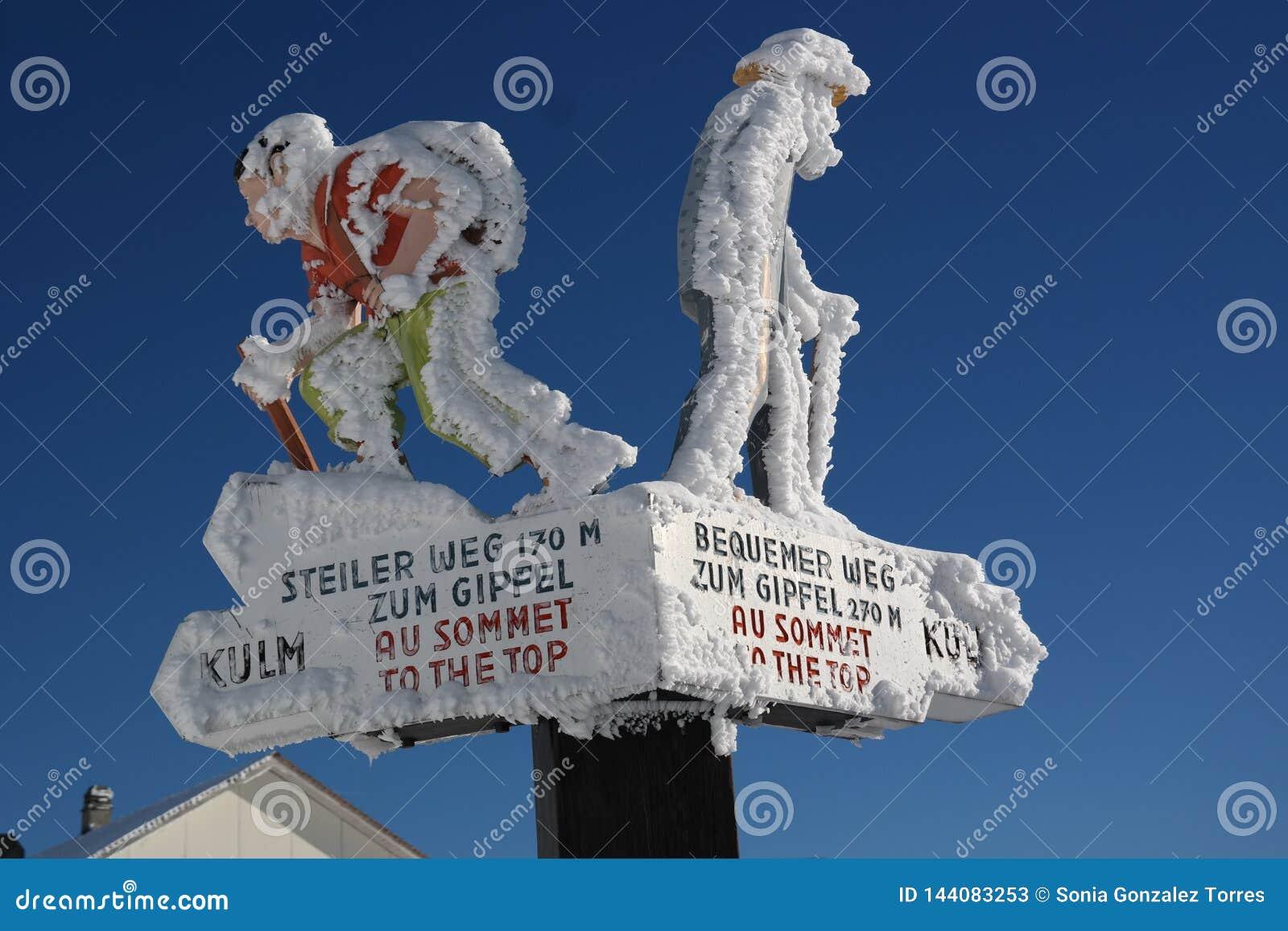 Signage prévio à cimeira de Rigi