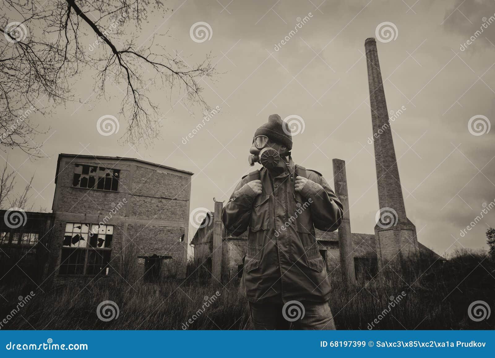 Survivant Apocalyptique Dans Le Et Masque Gaz Sac Signalez De eWdCBorx
