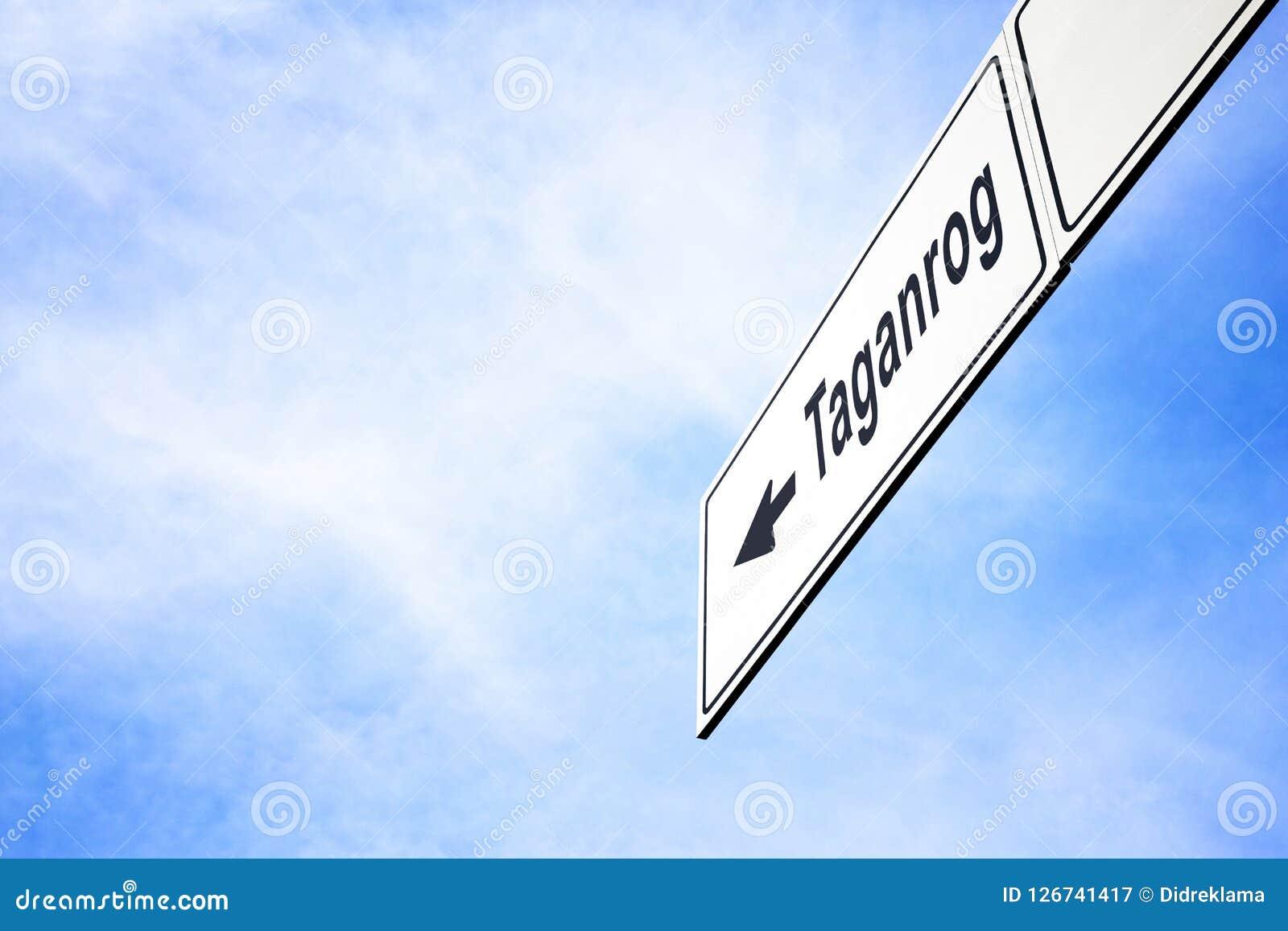 Signboard wskazuje w kierunku Taganrog