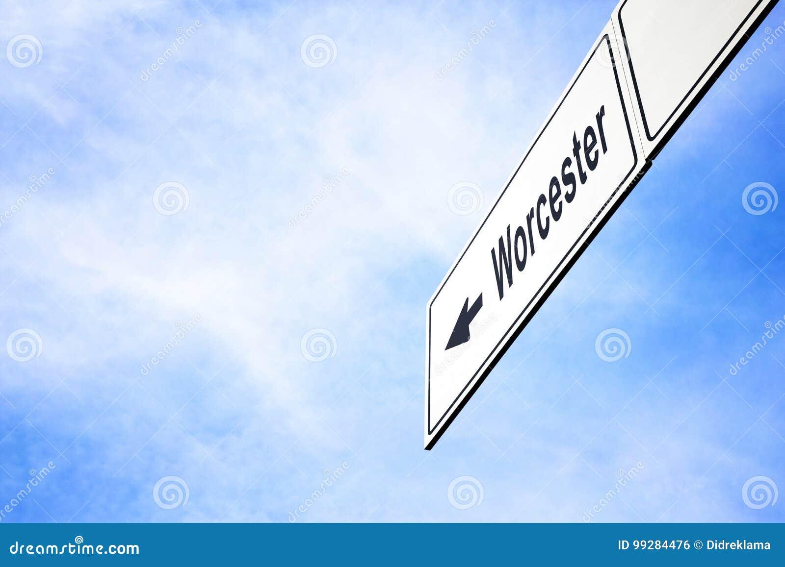 Signboard wskazuje w kierunku Worcester