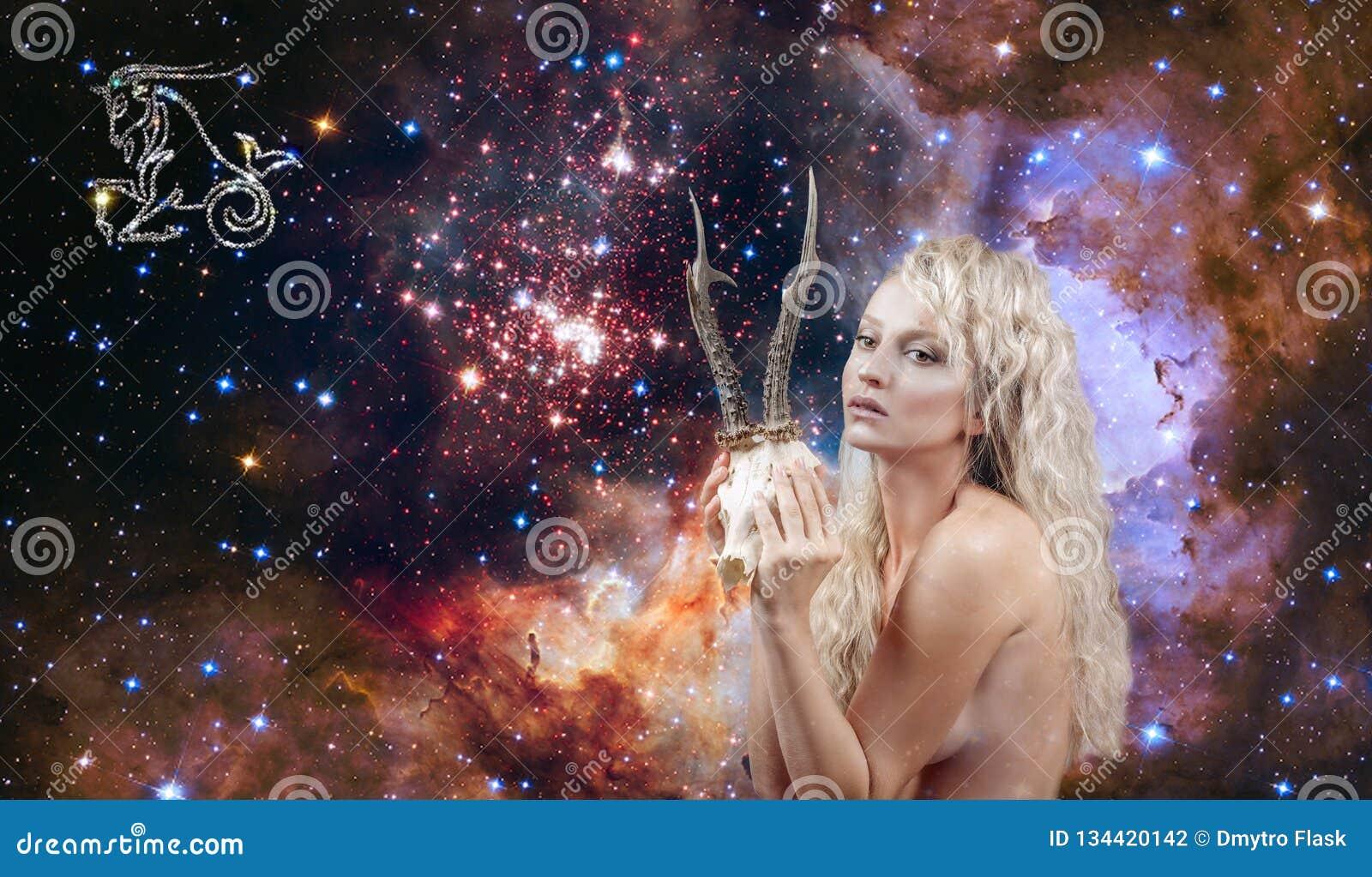 Signe de zodiaque de Capricorne Astrologie et horoscope, beau Capricorne de femme sur le fond de galaxie