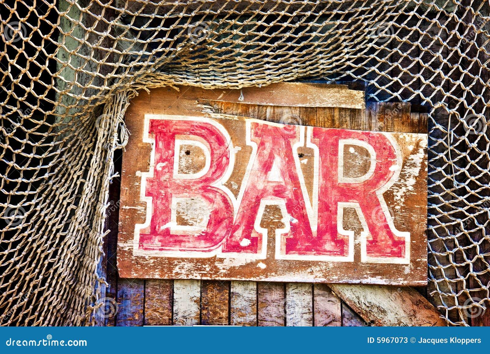 Signe en dehors d un bar abandonné