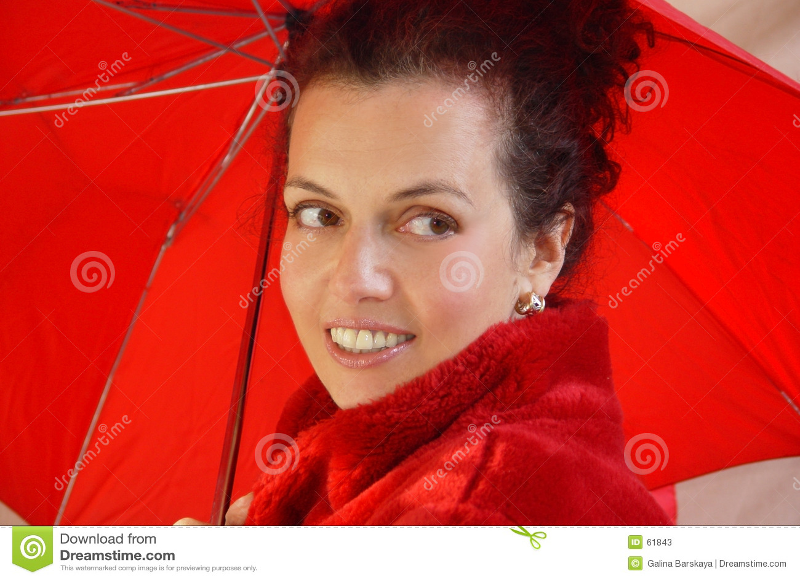 Signora nel colore rosso