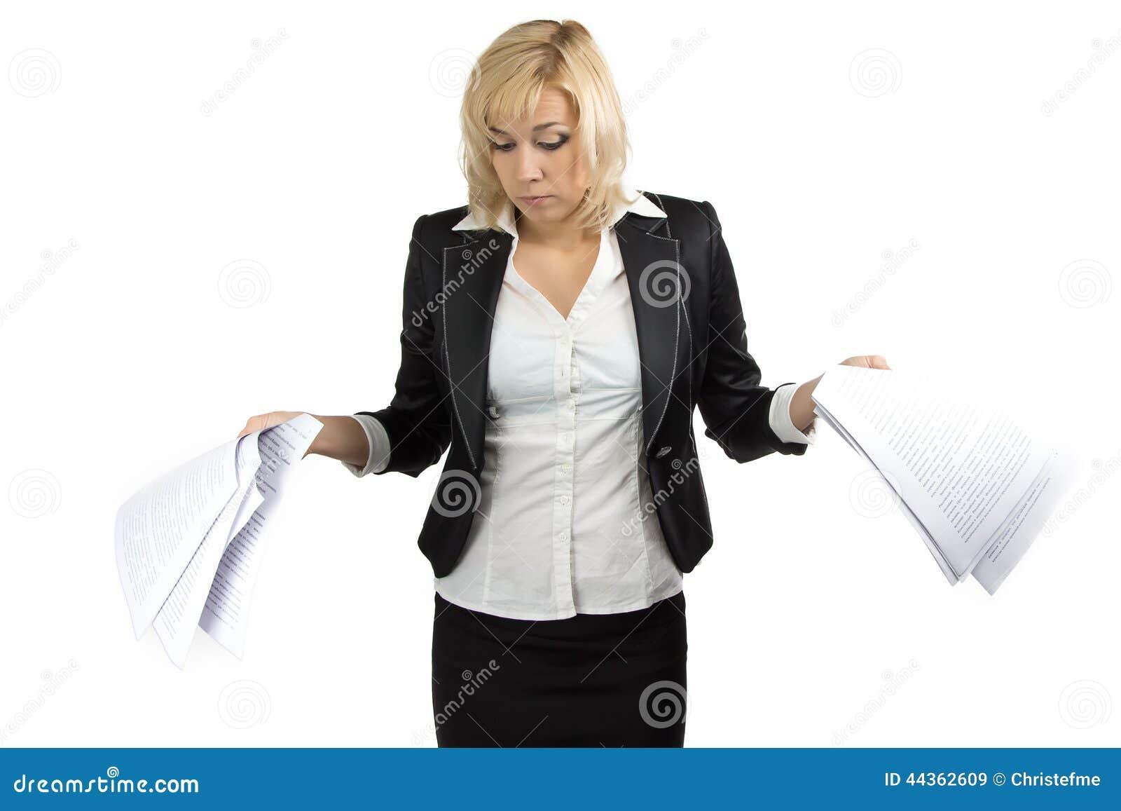 Signora sorpresa di affari con gli strati bianchi