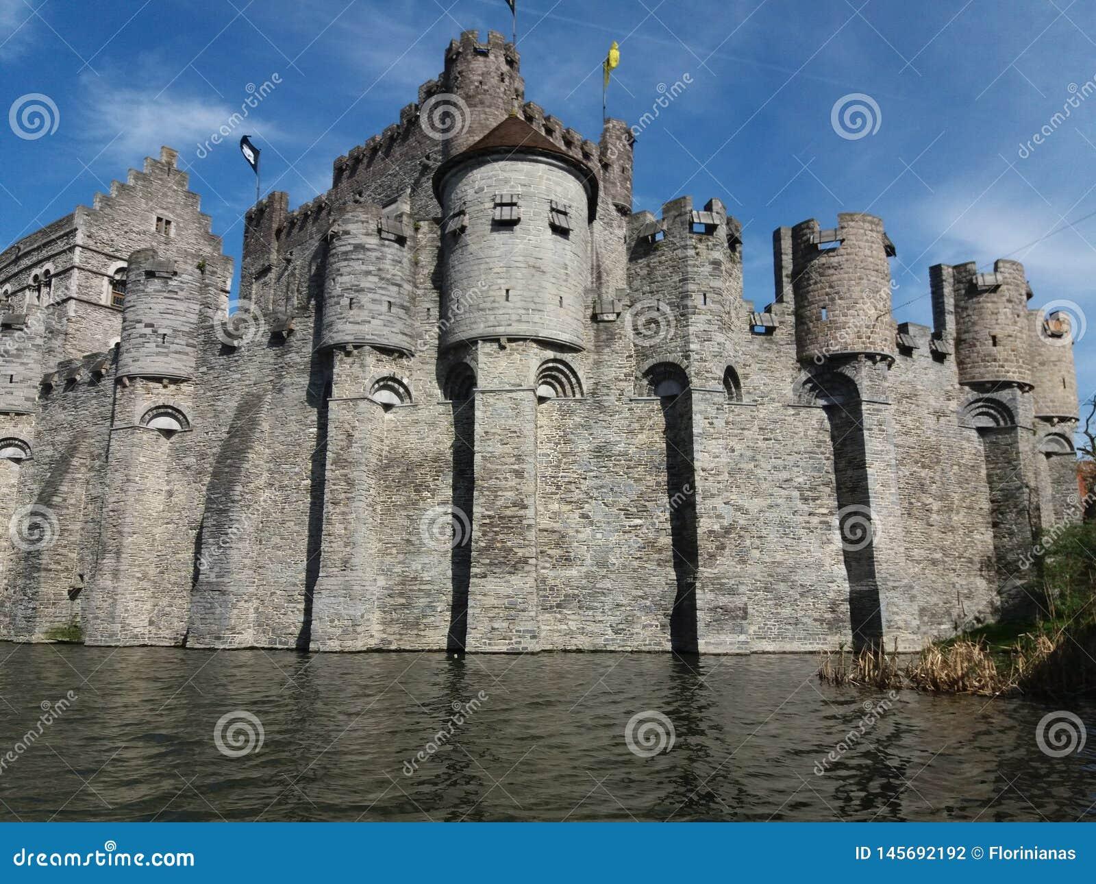 SIGNORE, BELGIO 03 25 2017 castello medievale Gravensteen o castello dei conteggi
