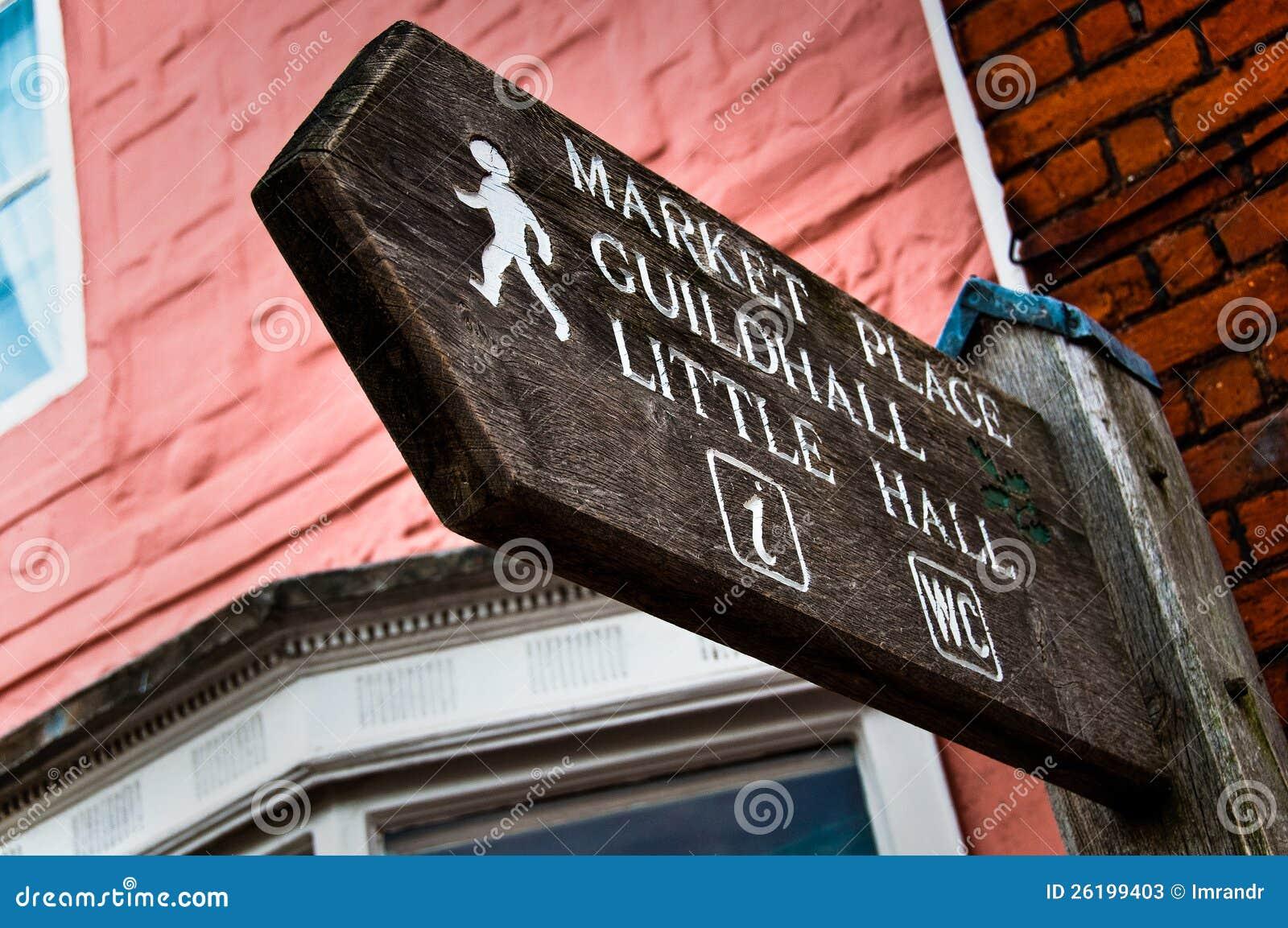 Signpost zum Marktplatz, Rathaus