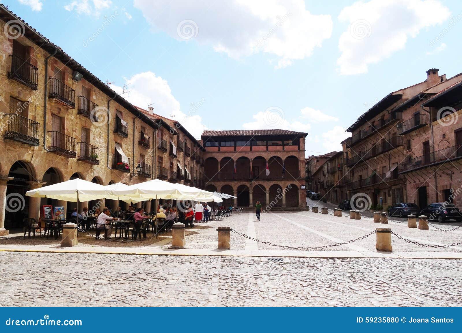 Download Siguenza, España imagen editorial. Imagen de cuadrado - 59235880