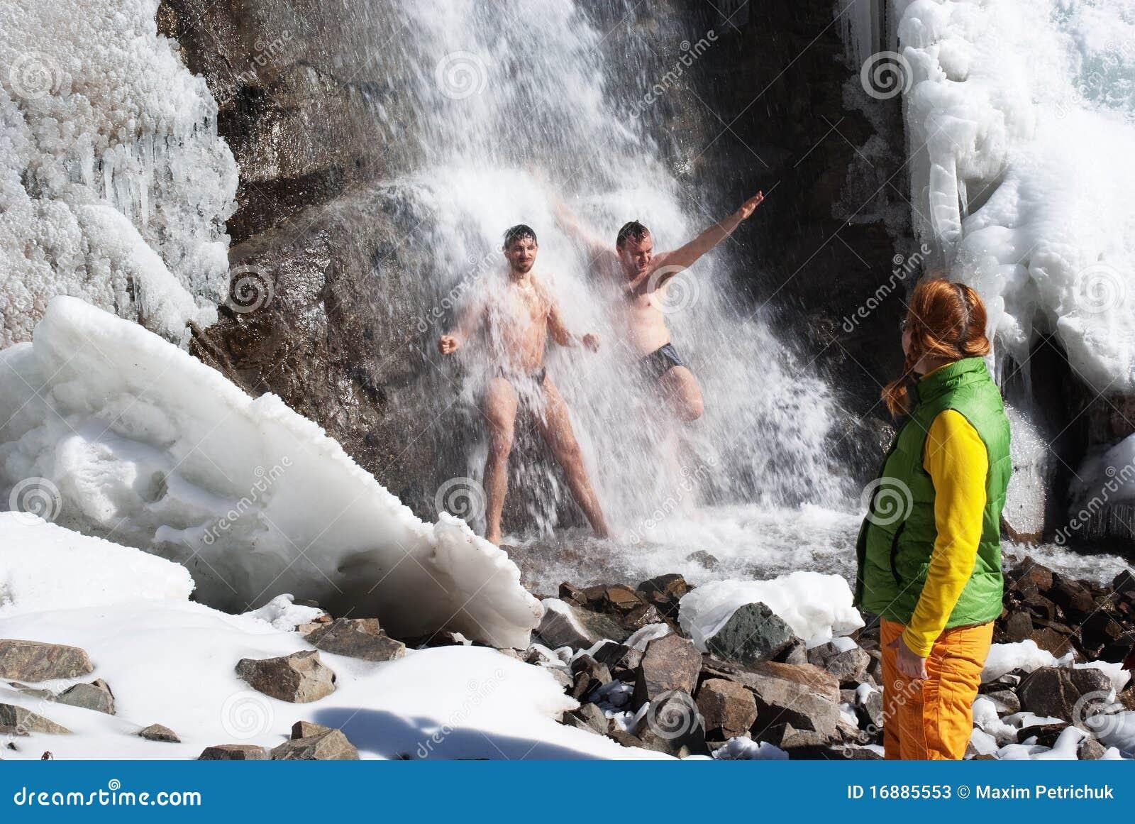 Siklawy pływacka zima