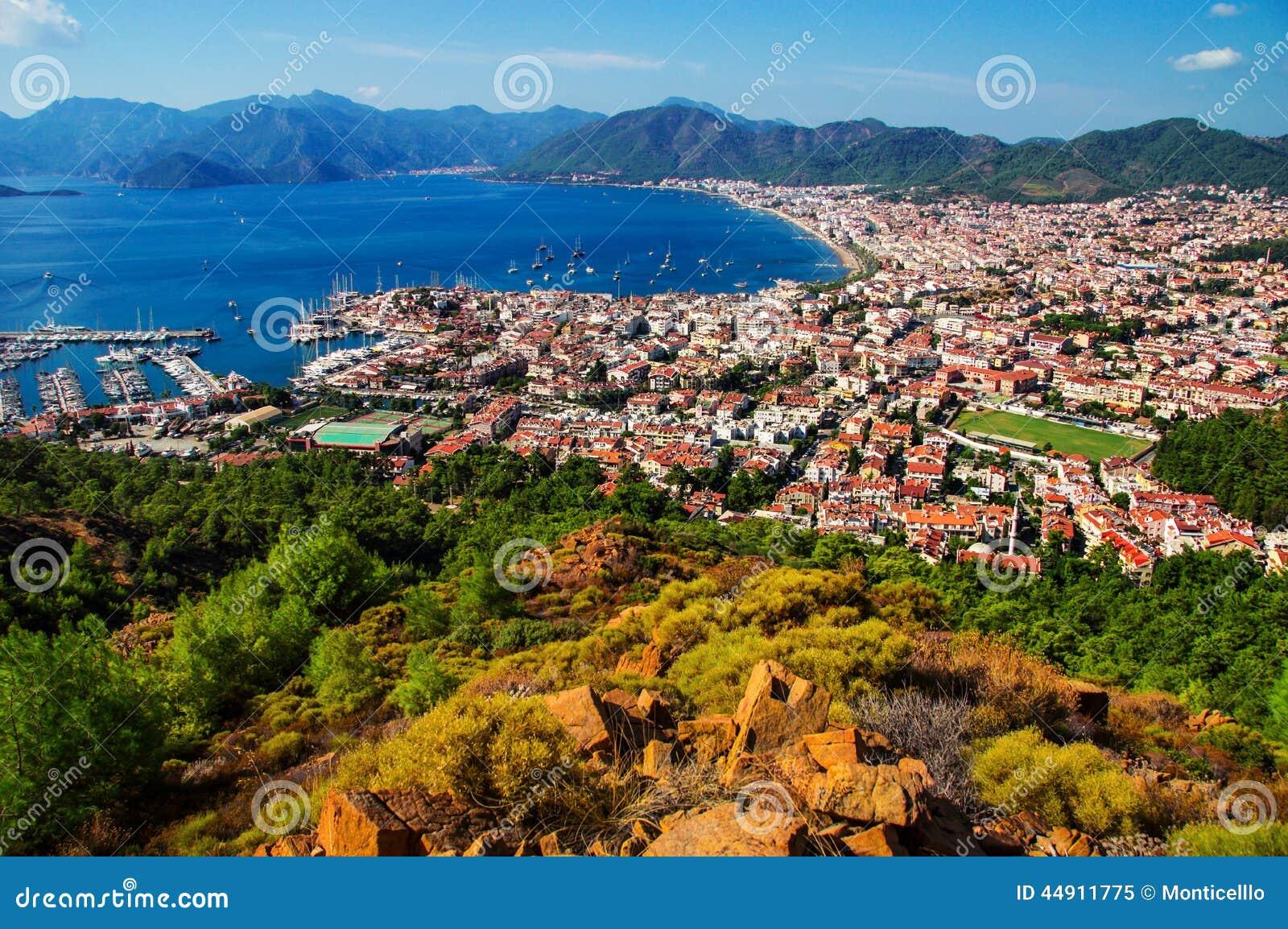 Sikt av den Marmaris hamnen på turk Riviera