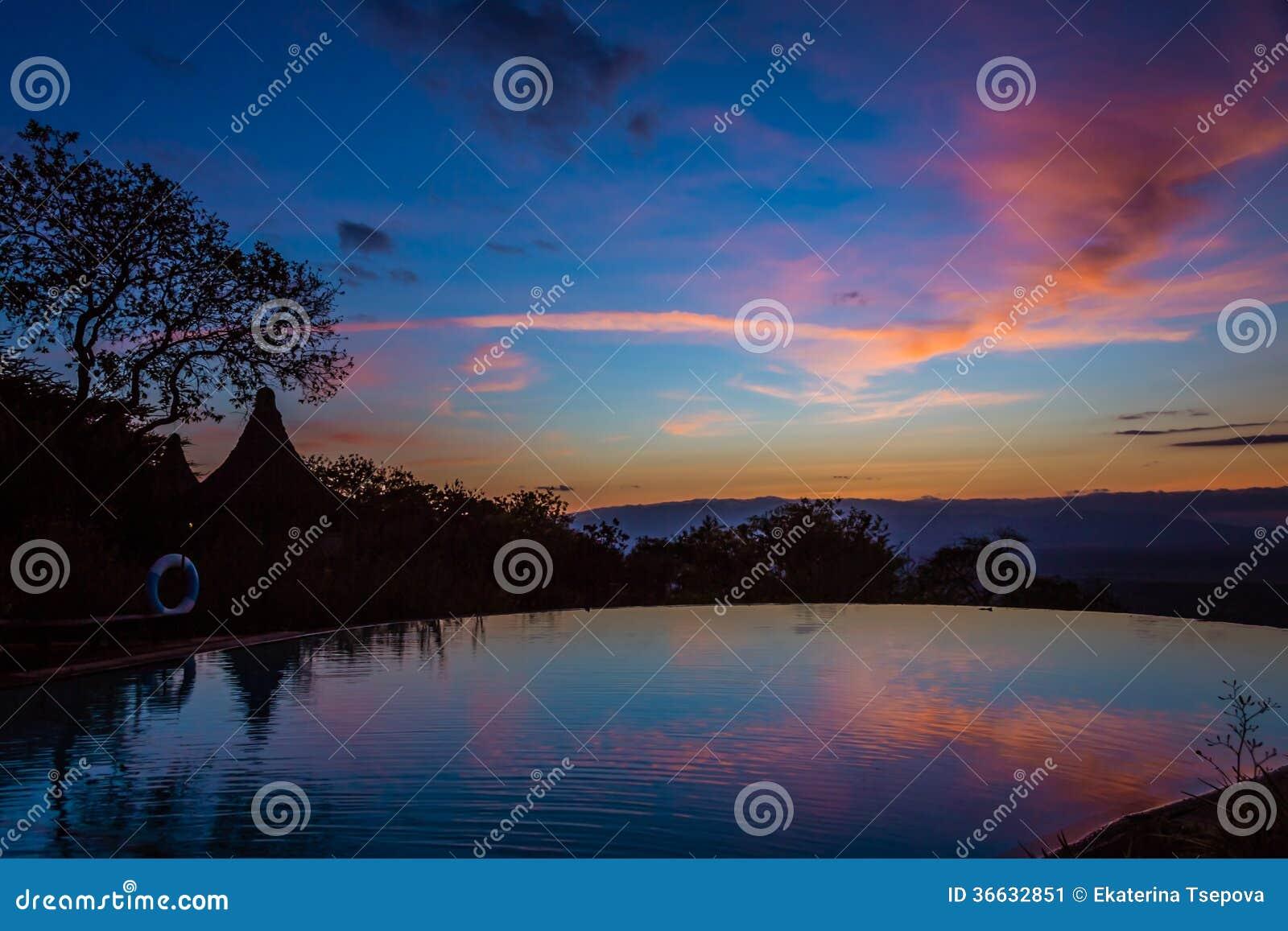 Sikt av soluppgång på sjön Manyara