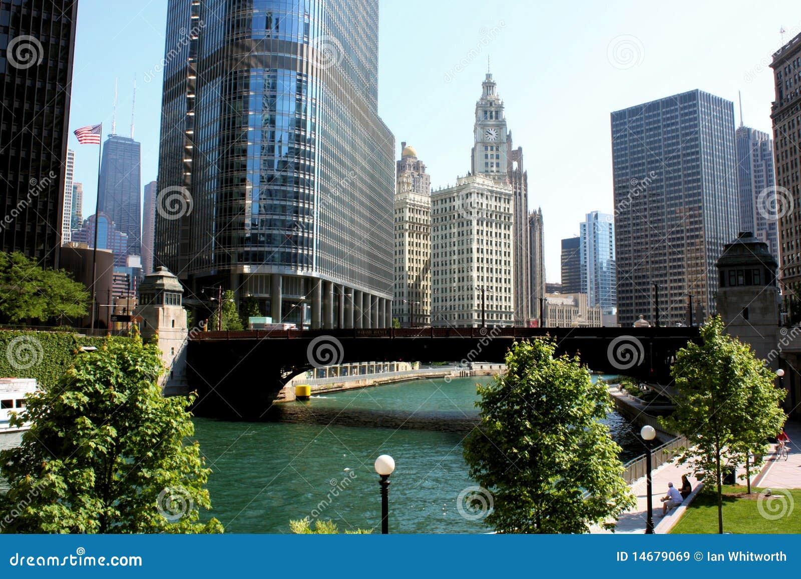 Sikt för chicago stadsflod