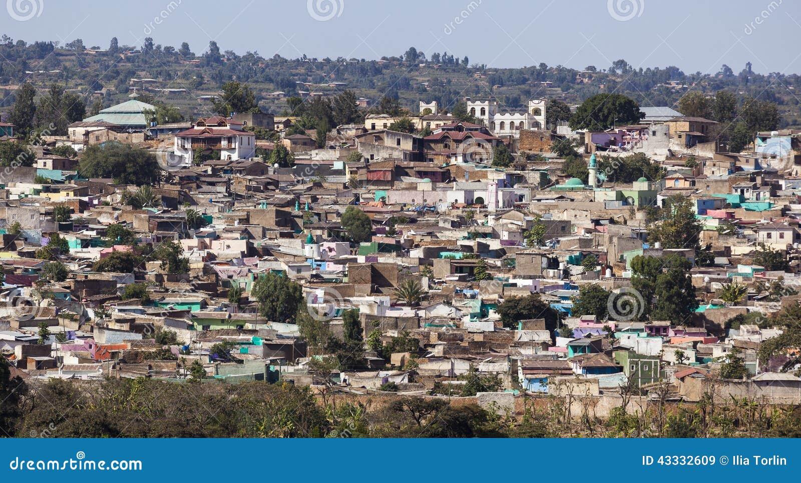 Sikt för fågelöga av staden av Jugol Harar ethiopia