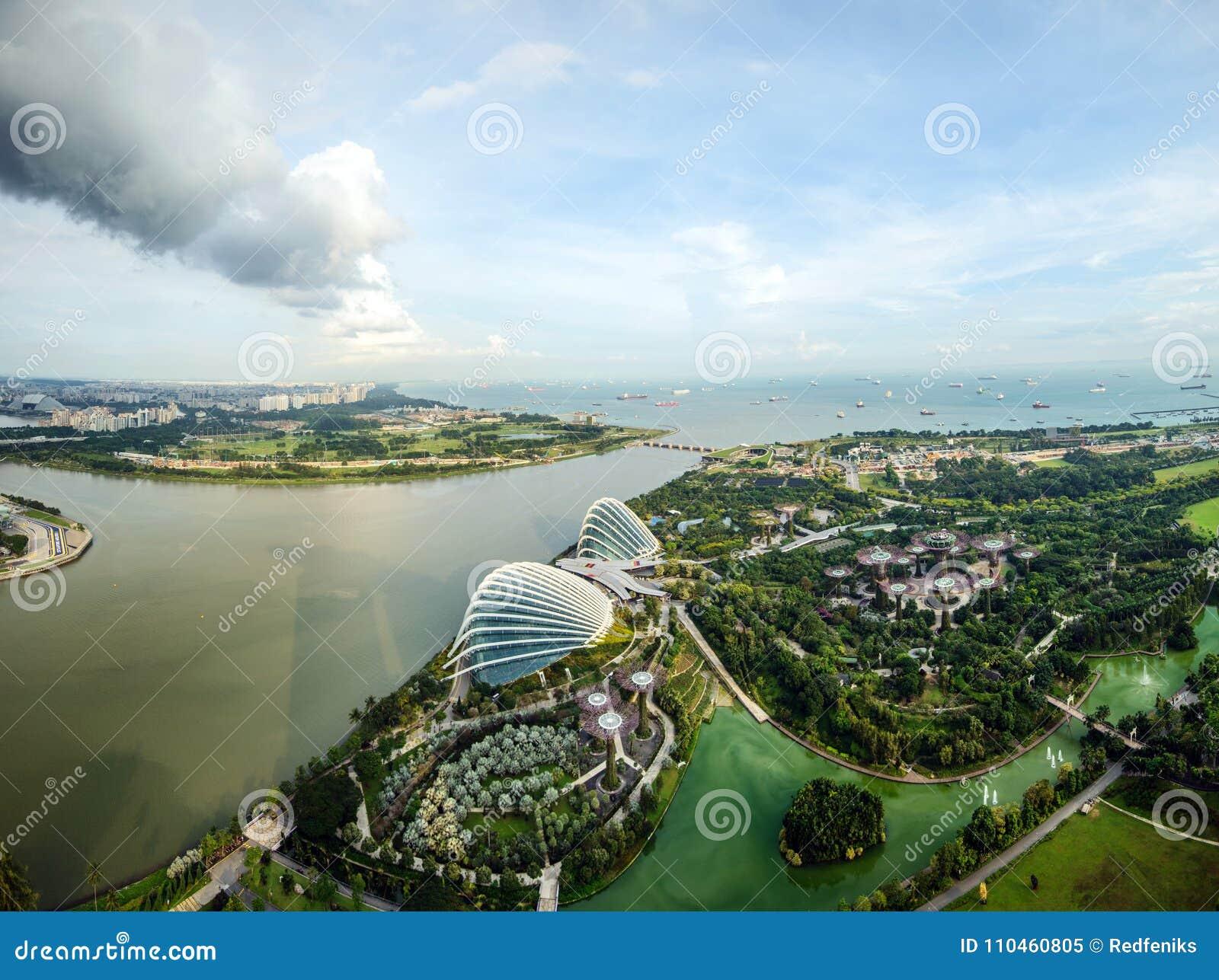 Sikt för fågelögon av Singapore stadshorisont i Singapore