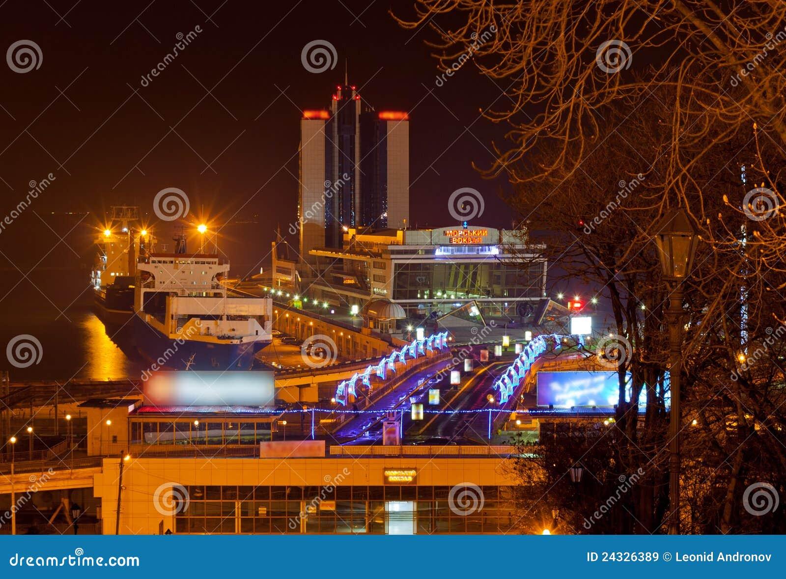 Sikt för nattodessa seaport