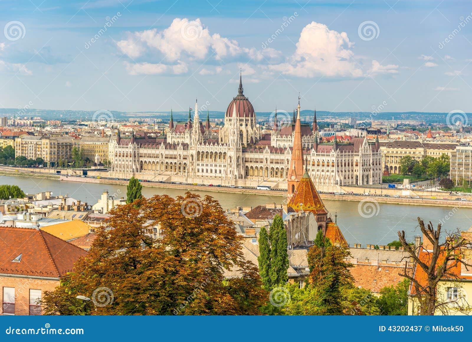 Download Sikt Från Buda På Parlamentet I Budapest Fotografering för Bildbyråer - Bild av danube, parlament: 43202437
