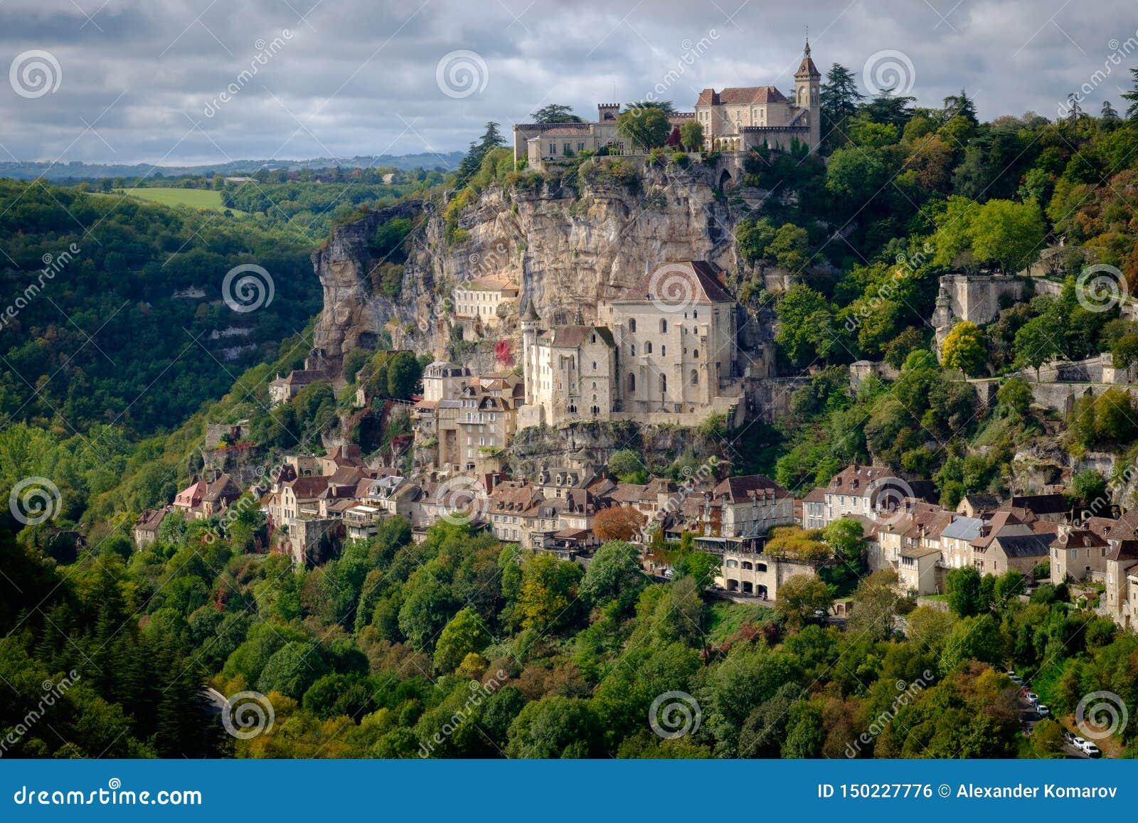 Sikt till den Rocamadour byn i lotten, Frankrike