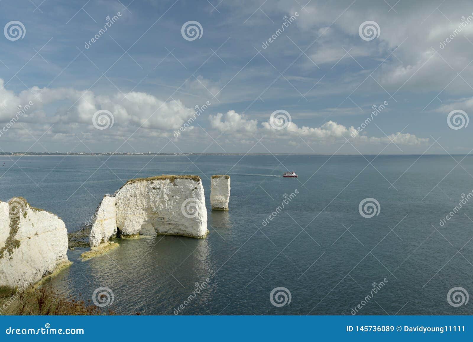 Sikt ?ver gamla Harry Rocks p? den Dorset kusten