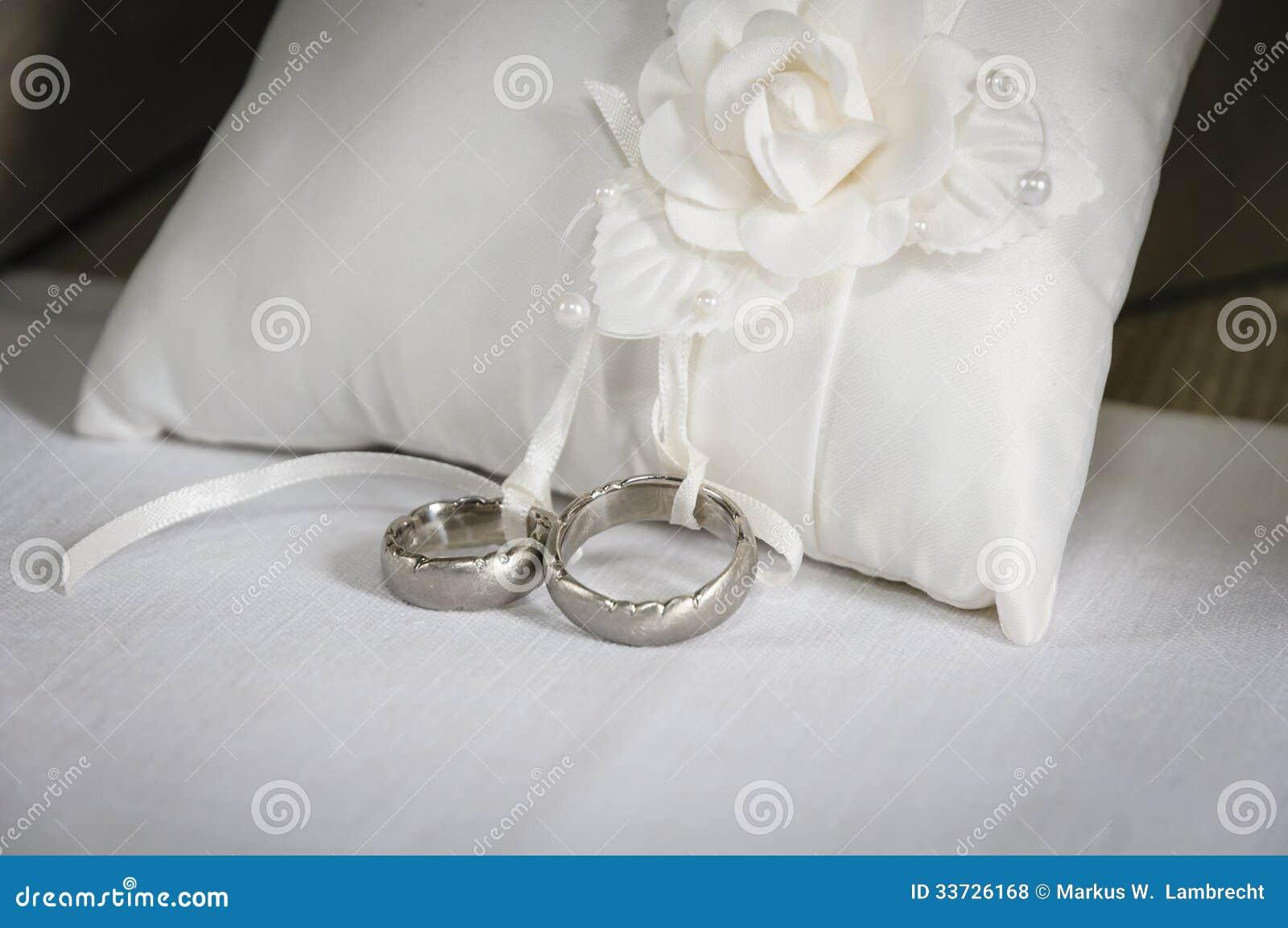 Silberhochzeit Ringe Stockfoto Bild Von Ring Zoll Verbindung