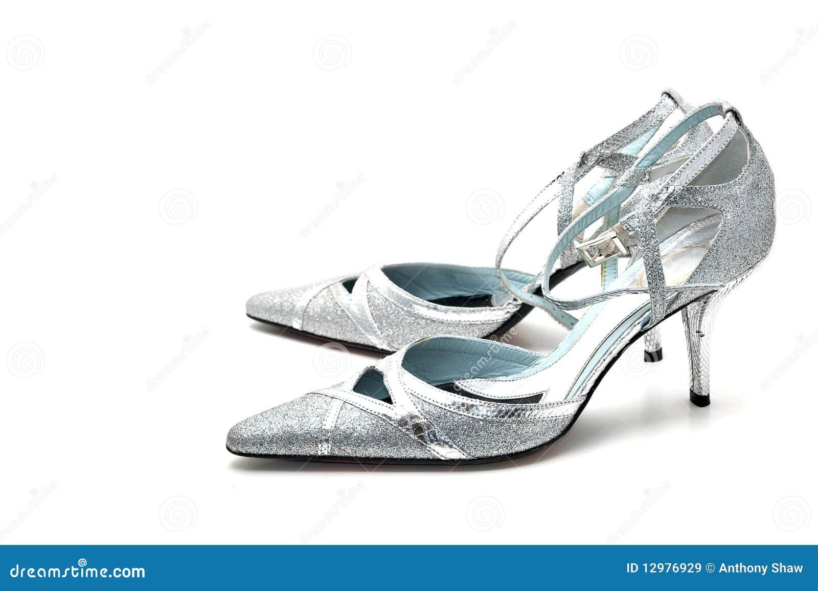 Silberne Schuhe Hoher Absatz Der Frauen Stockbild Bild Von Zauber