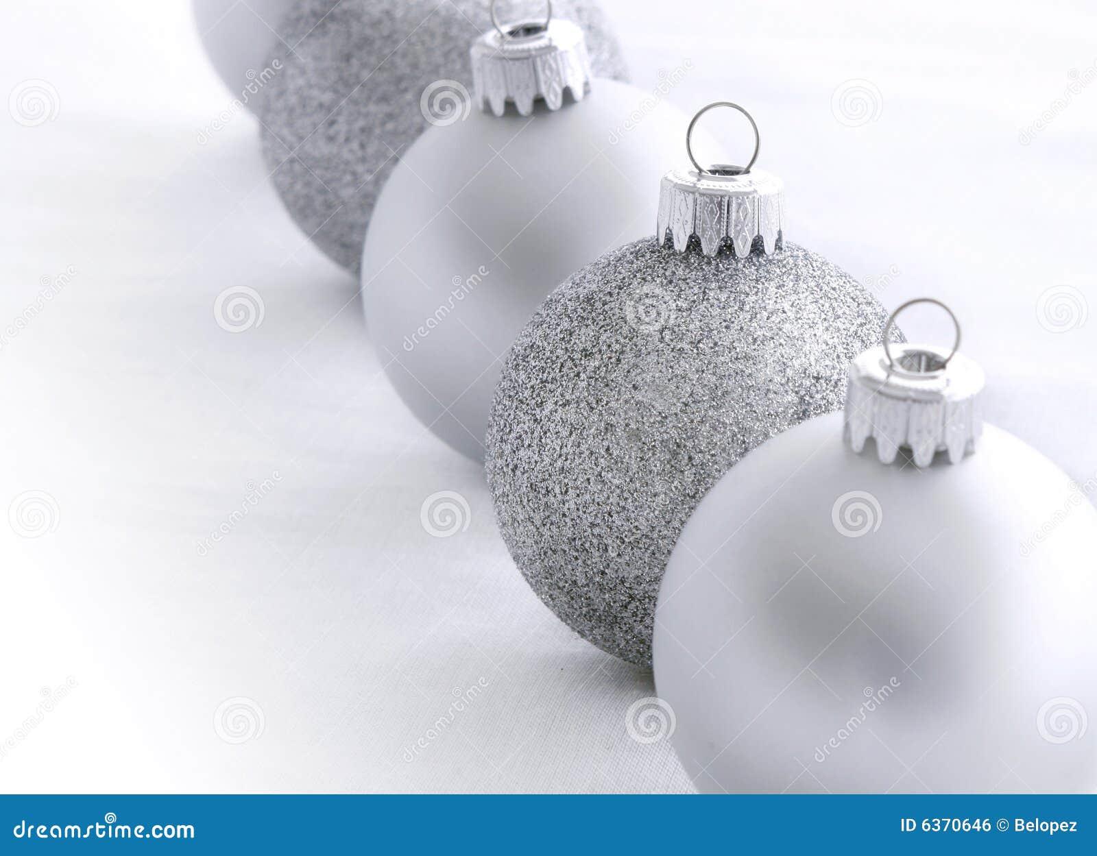 Silberne Weihnachtskugeln.Silberne Weihnachtskugeln Stockfoto Bild Von Abschluss 6370646