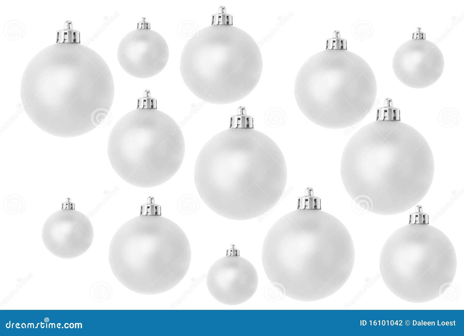 Silberne Weihnachtskugeln.Silberne Weihnachtskugeln Auf Weiss Stockfoto Bild Von