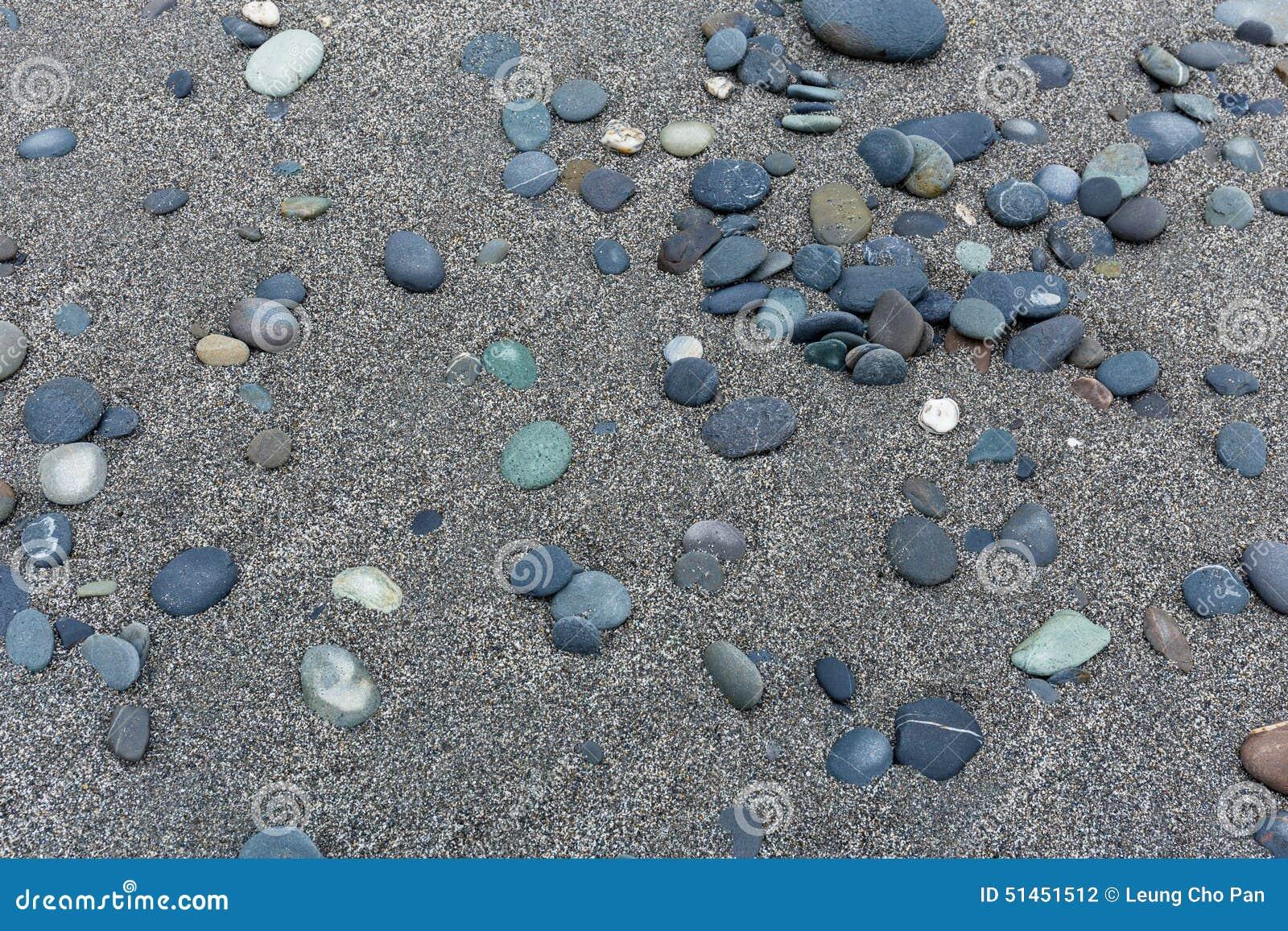 Silex en pierre sur la plage