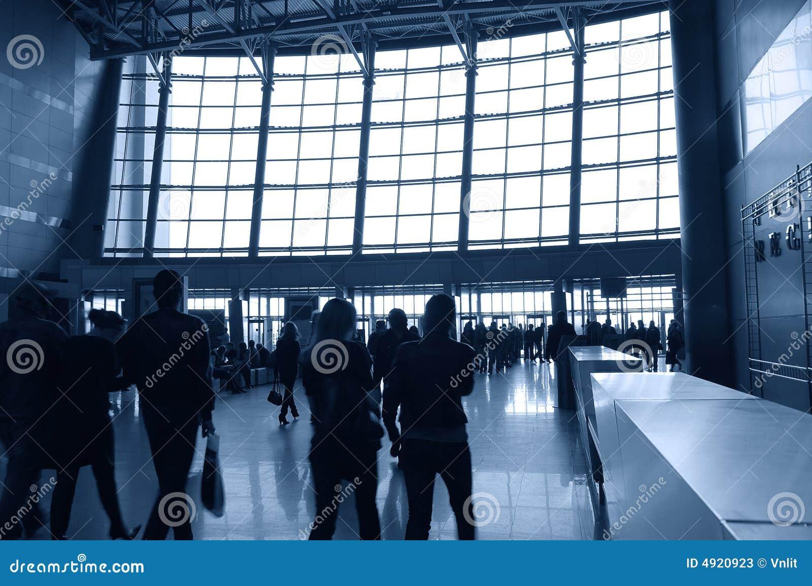 Silhouet van bewegende mensen stock foto 39 s afbeelding 4920923 - Kleur schilderij gang ingang ...