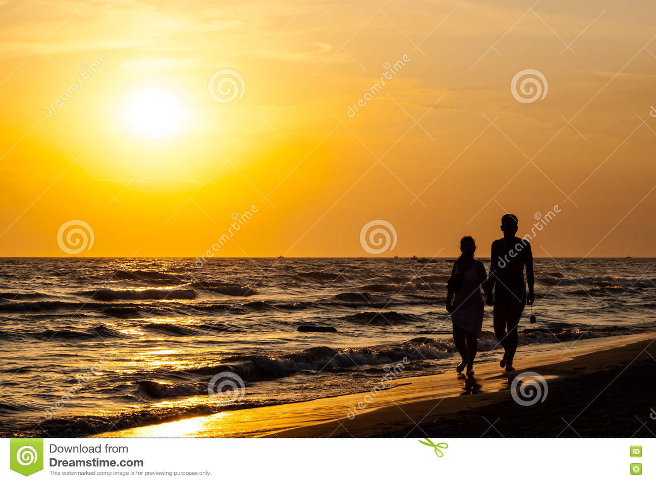 Download Silhouette Of Couple Walking On The Beach. Stock Photo - Image of walking, romantic: 75880572
