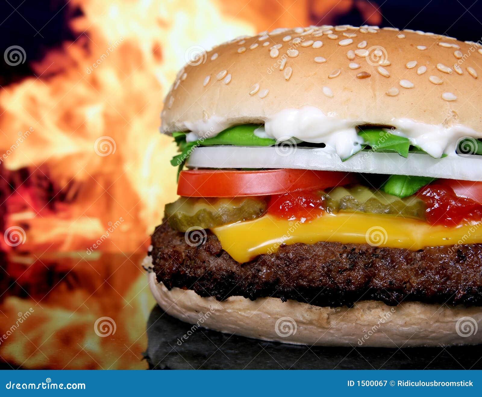 Silhouette des légumes de jardin d hamburger et d été de fromage