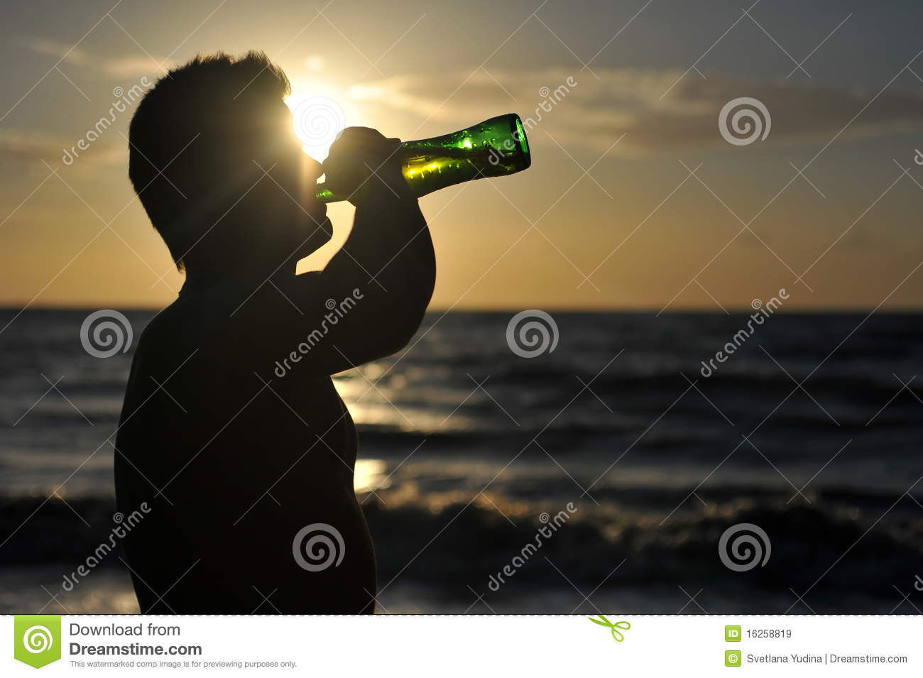 Free clipart man drinking beer