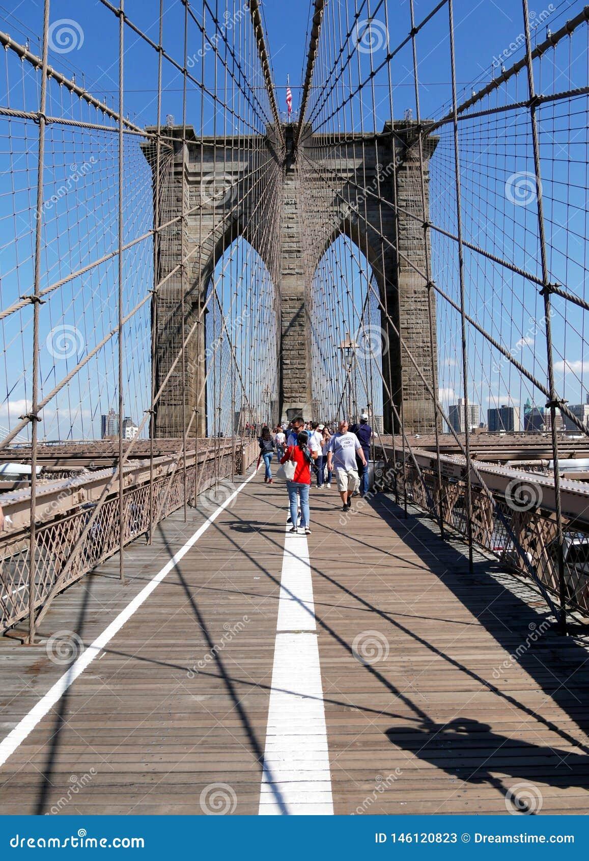 Silhouette unique de pont de Brooklyn New York City