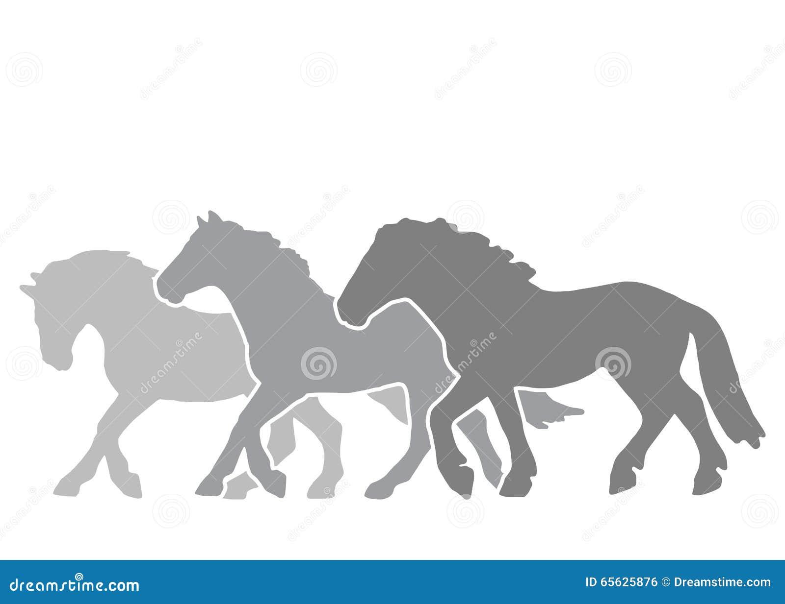 Silhouettes de trois chevaux sur la course