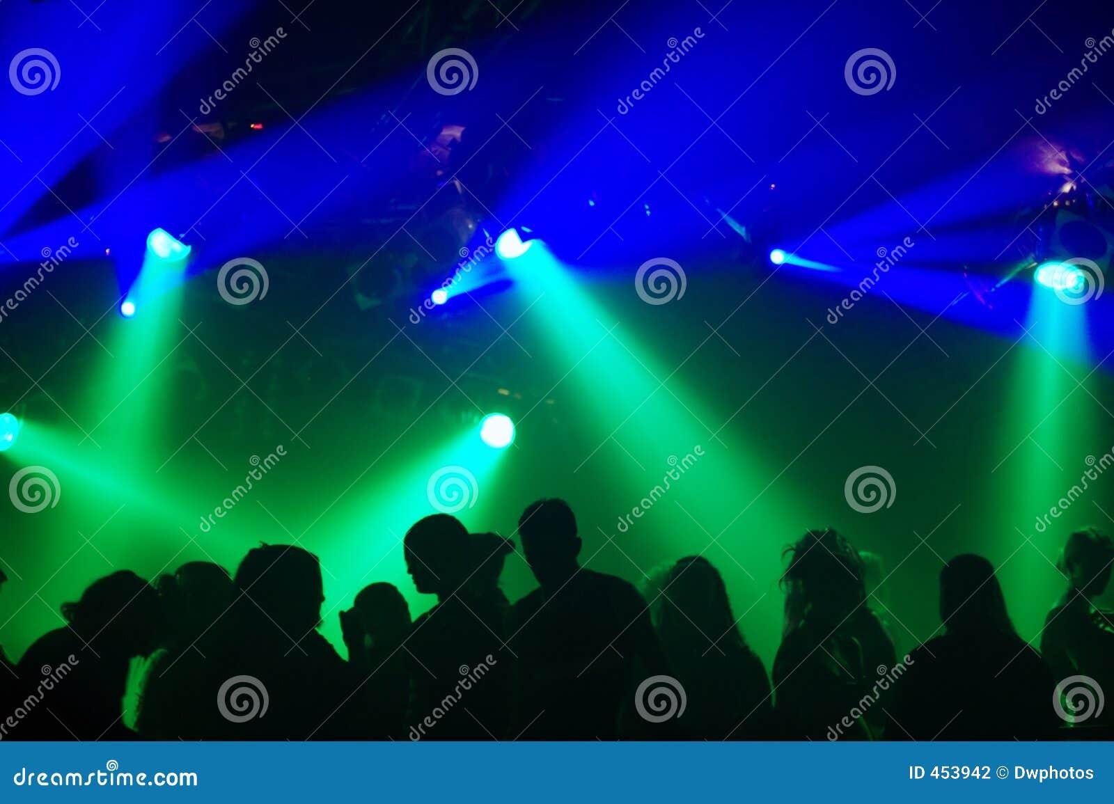 Silhouettes des gens de danse