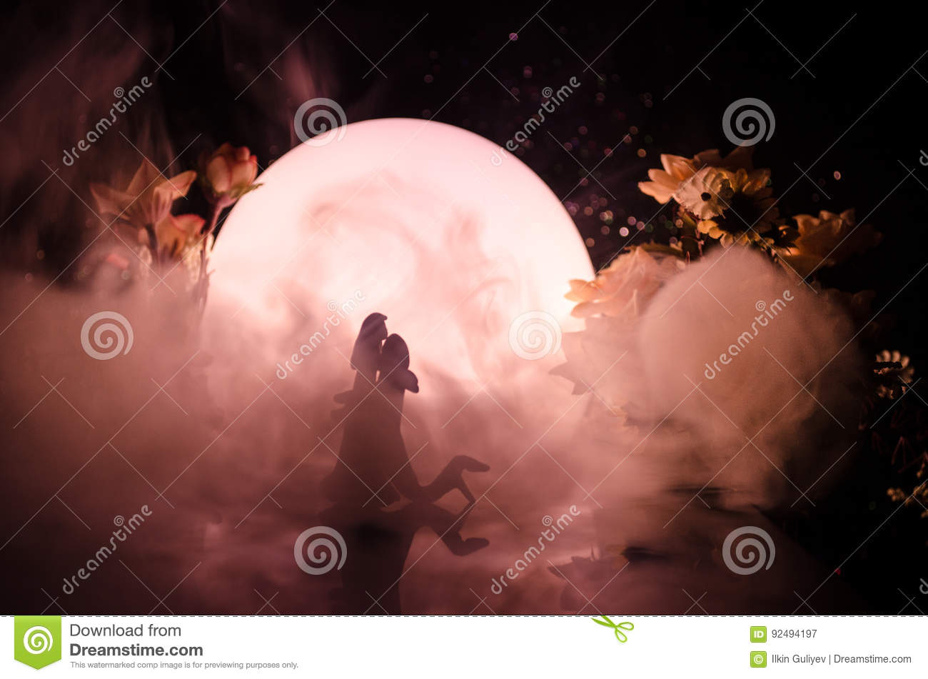 Download Silhouettes Of Toy Couple Dancing Under The Moon At Night. Figures Of Man And Woman In Love Dancing At Moonlight Stock Image - Image of caribbean, date: 92494197