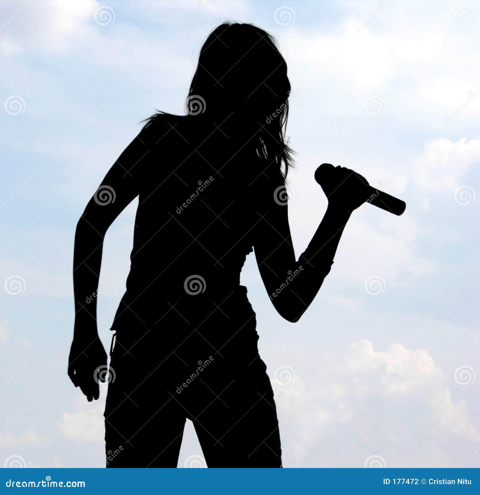 Silhueta da menina de canto