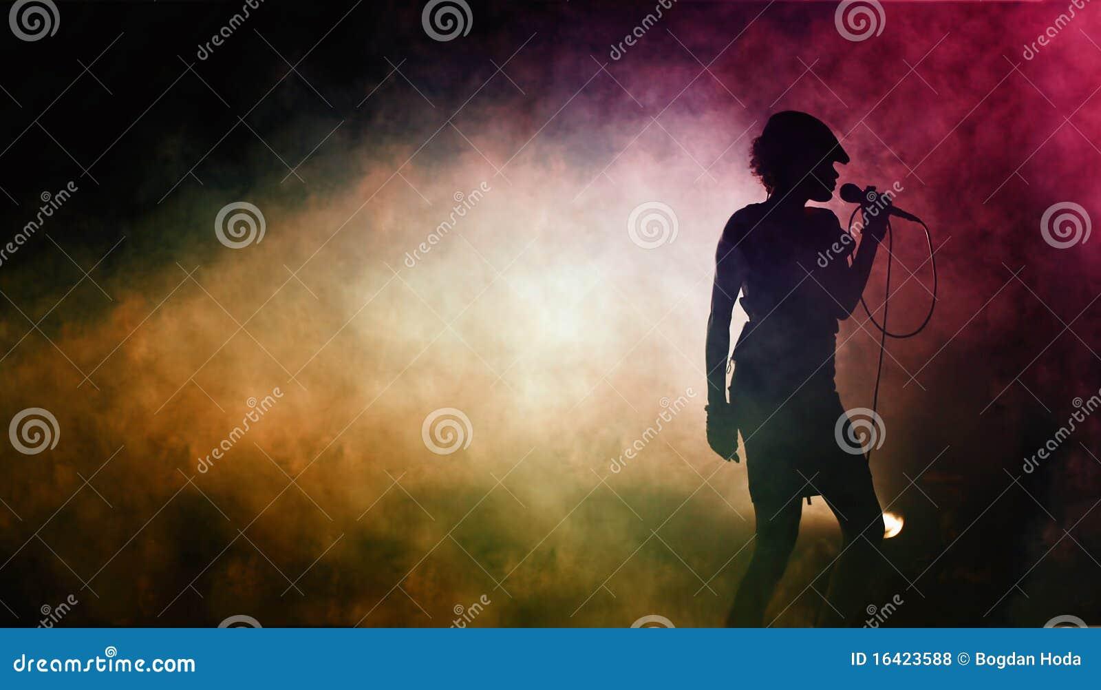 Silhueta de um artista de canto