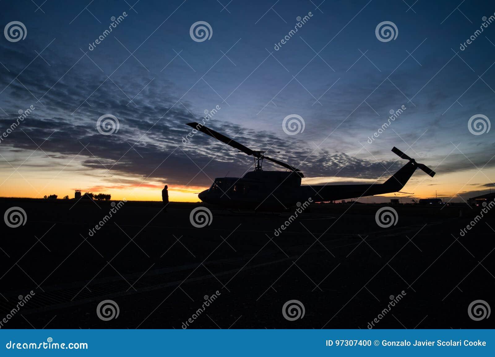 Silhueta do helicóptero