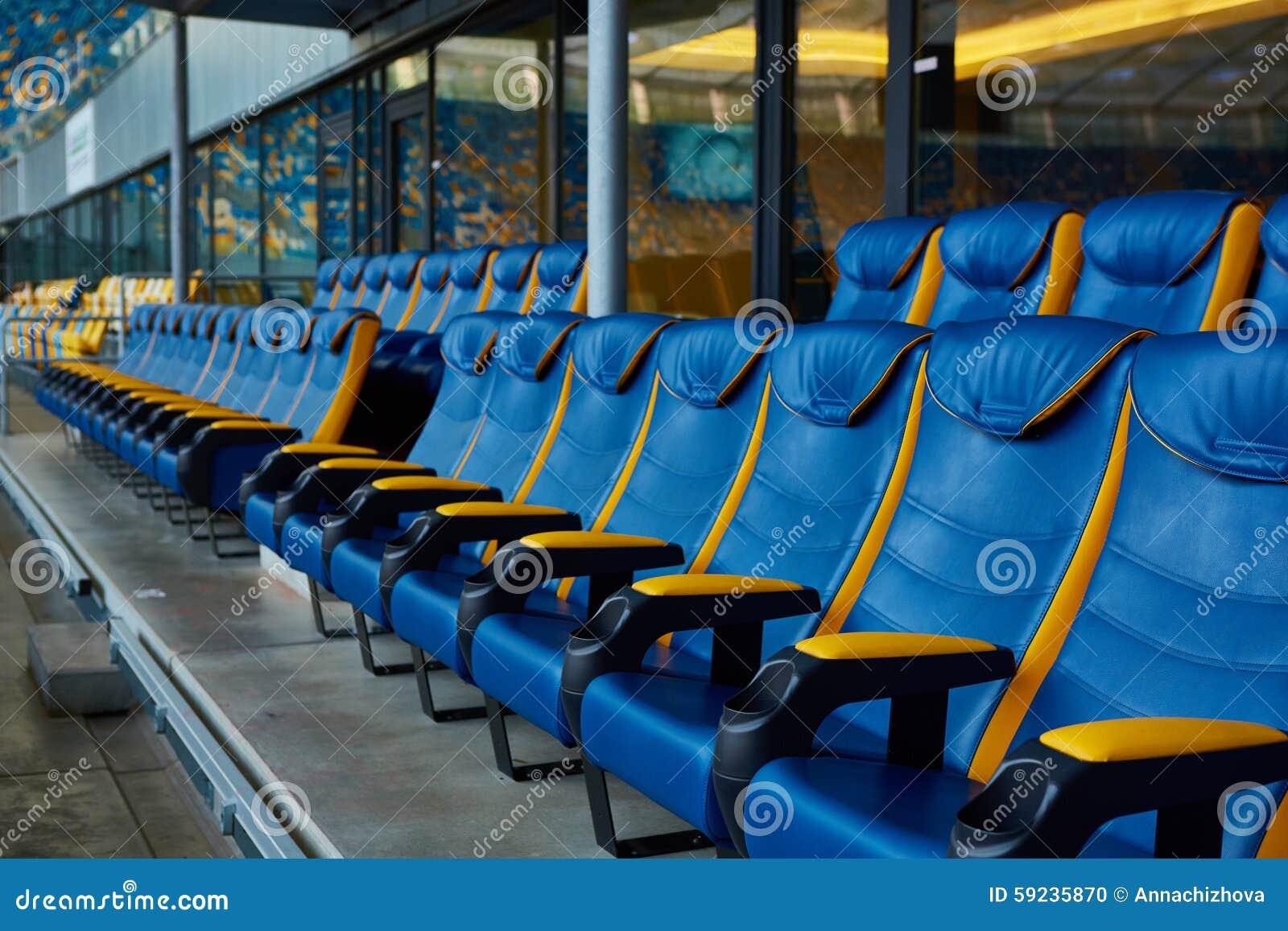 Download Silla Azul En Estadio Del Deporte Foto de archivo - Imagen de línea, público: 59235870