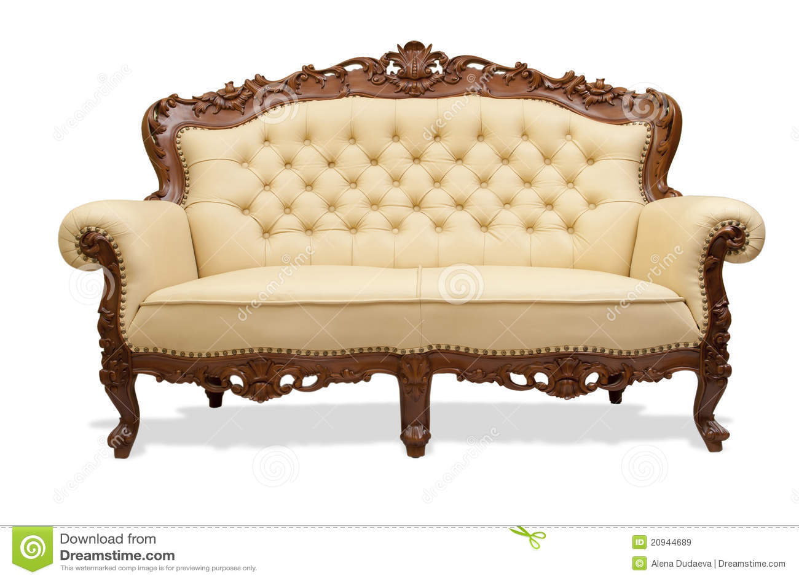 Silla de madera tallada cl sica for Muebles de sala tallados en madera