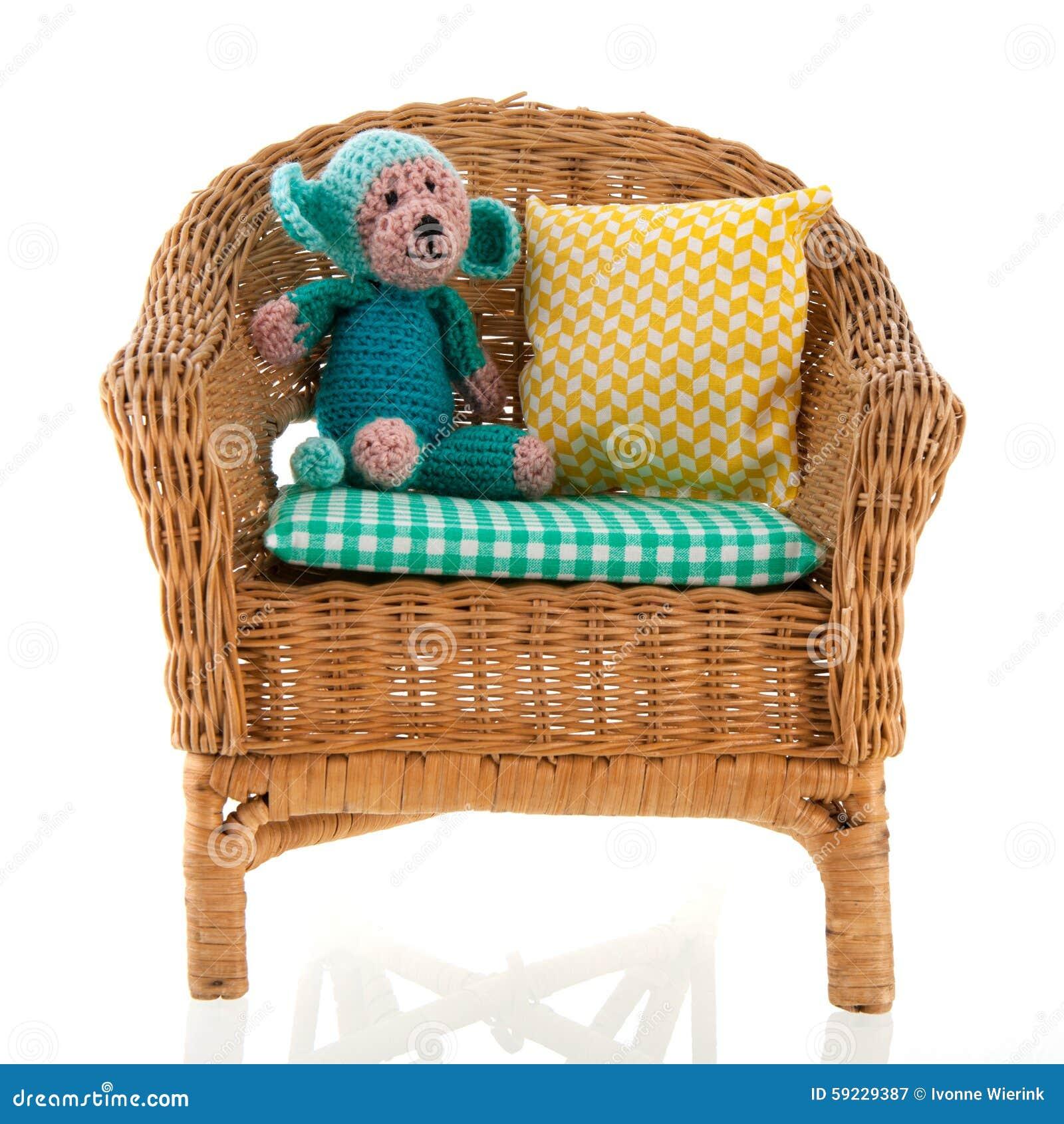 Download Silla de mimbre imagen de archivo. Imagen de knitted - 59229387