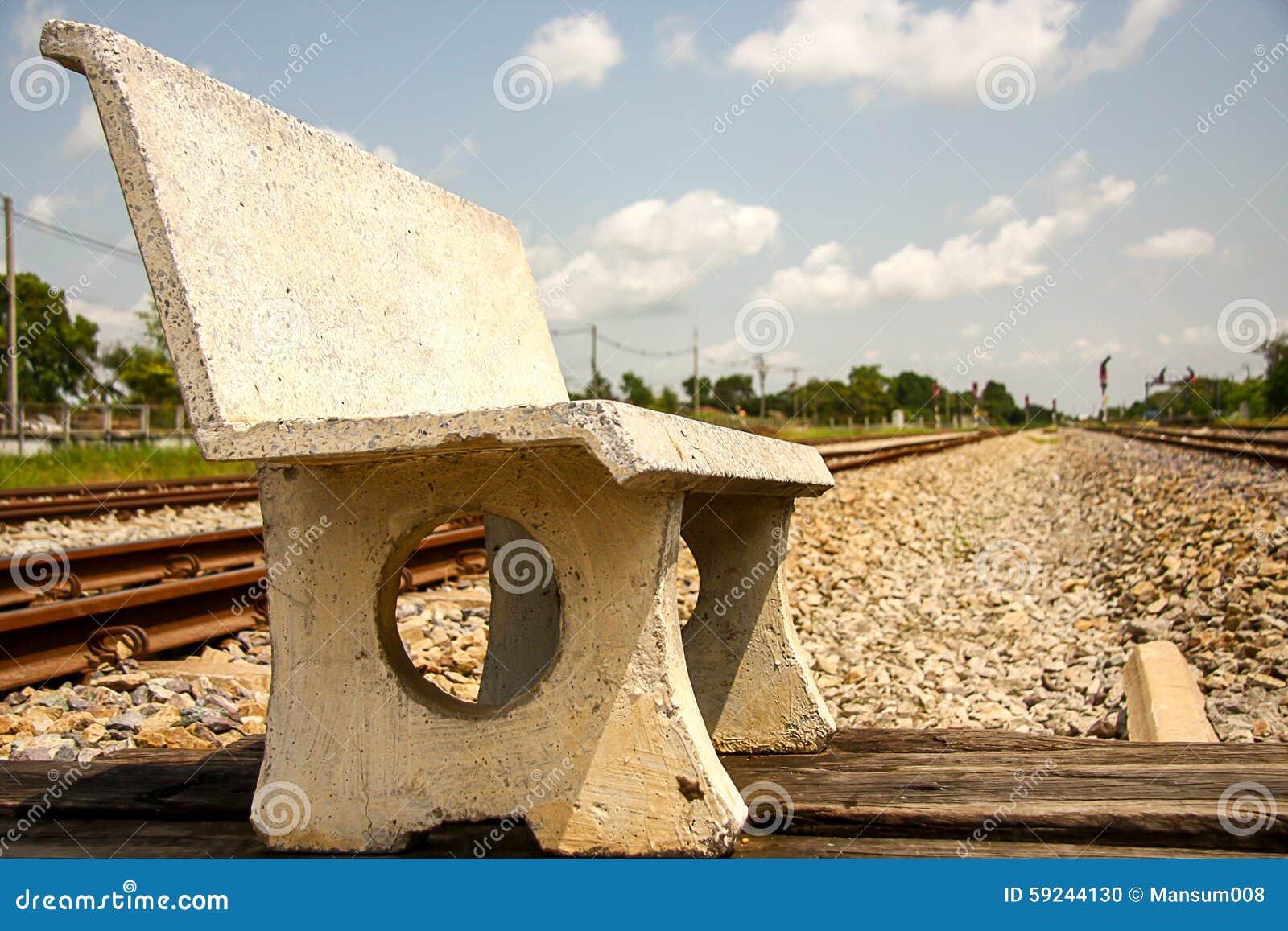 Download Silla del cemento foto de archivo. Imagen de outdoor - 59244130