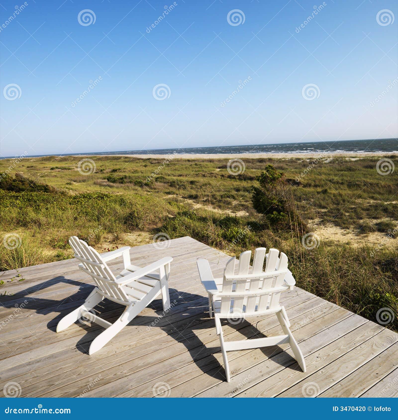 Sillas de cubierta en la playa foto de archivo imagen - Silla para la playa ...