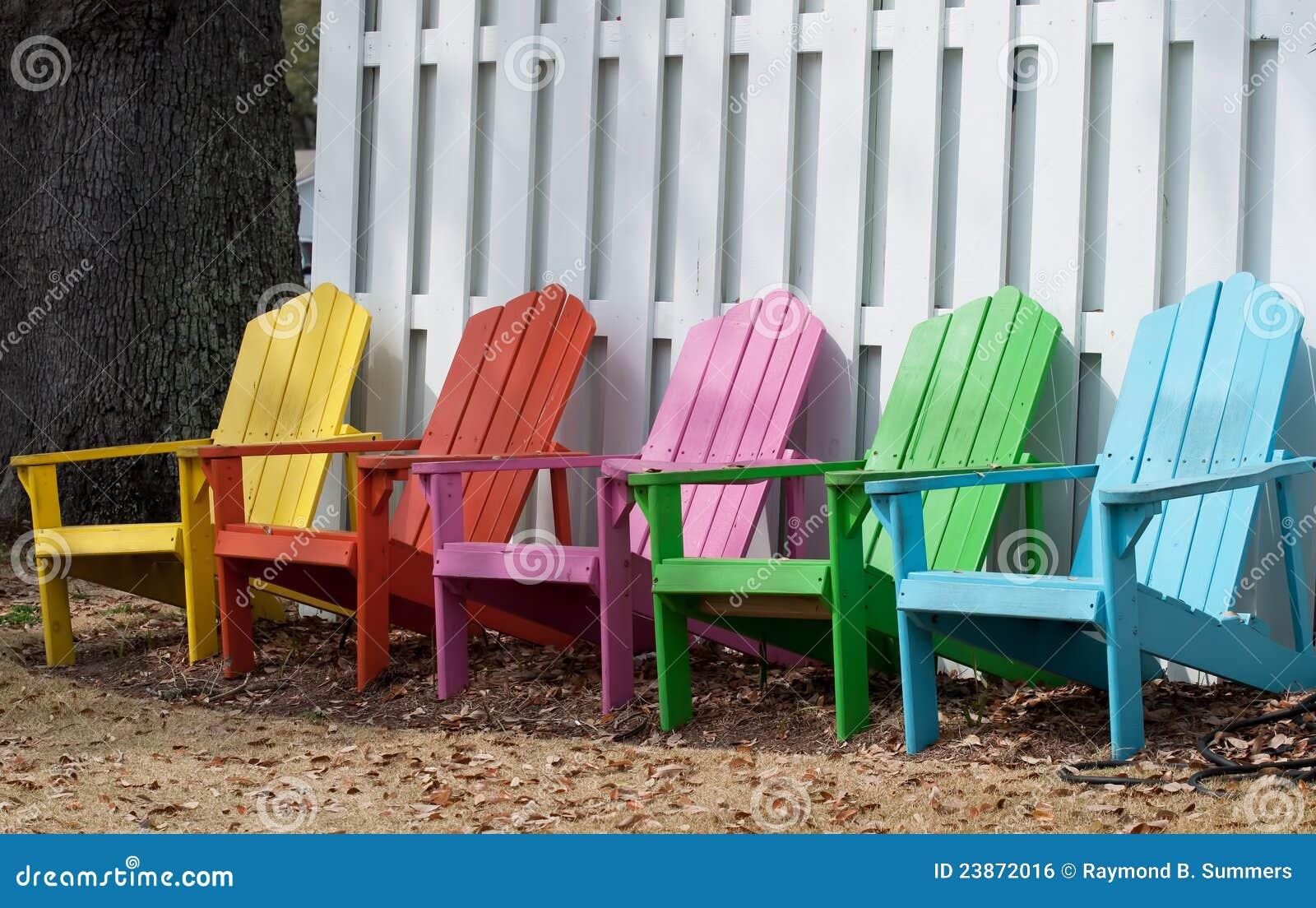 Sillas en colores pastel foto de archivo imagen de resto - Sillas colores ...