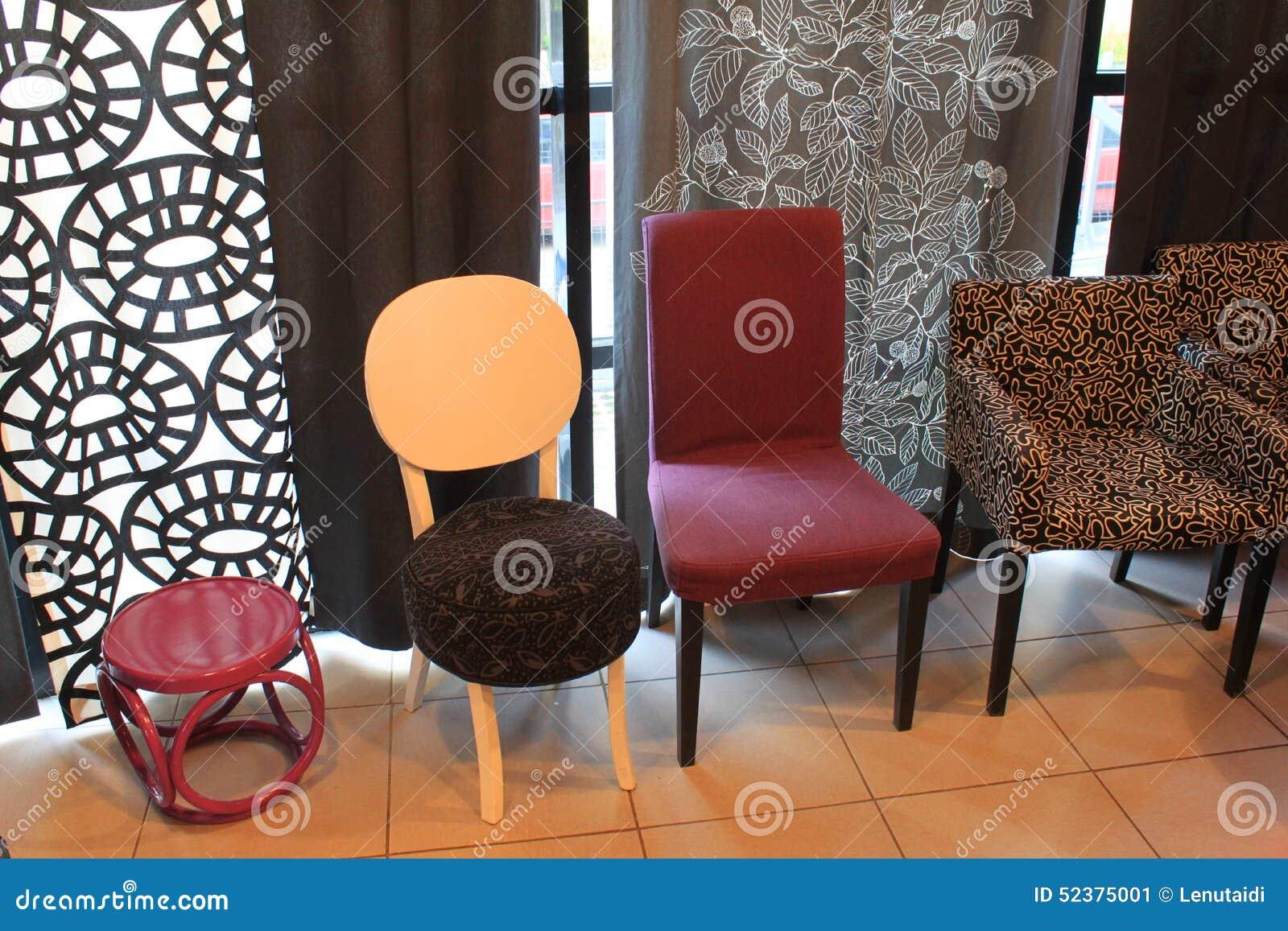 Sillas modernas del diseño interior