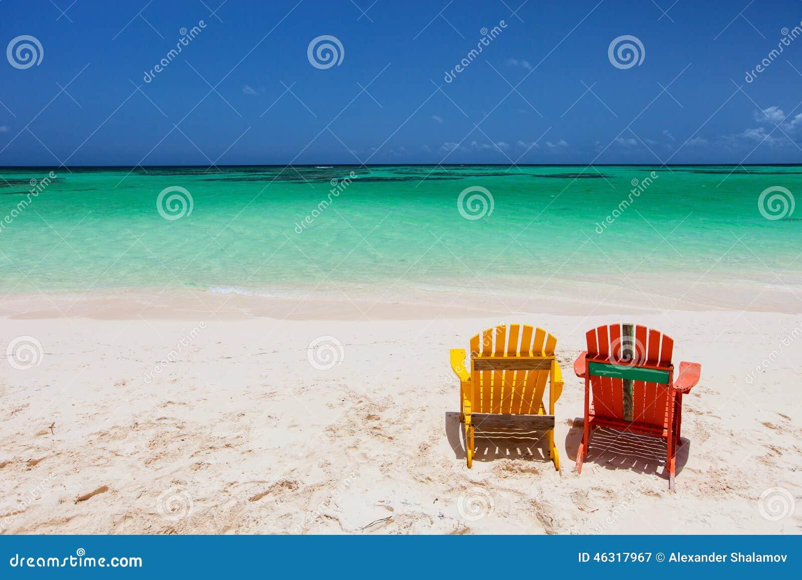 Sillones Coloridos.Sillones Coloridos Del Adirondack En La Playa Del Caribe