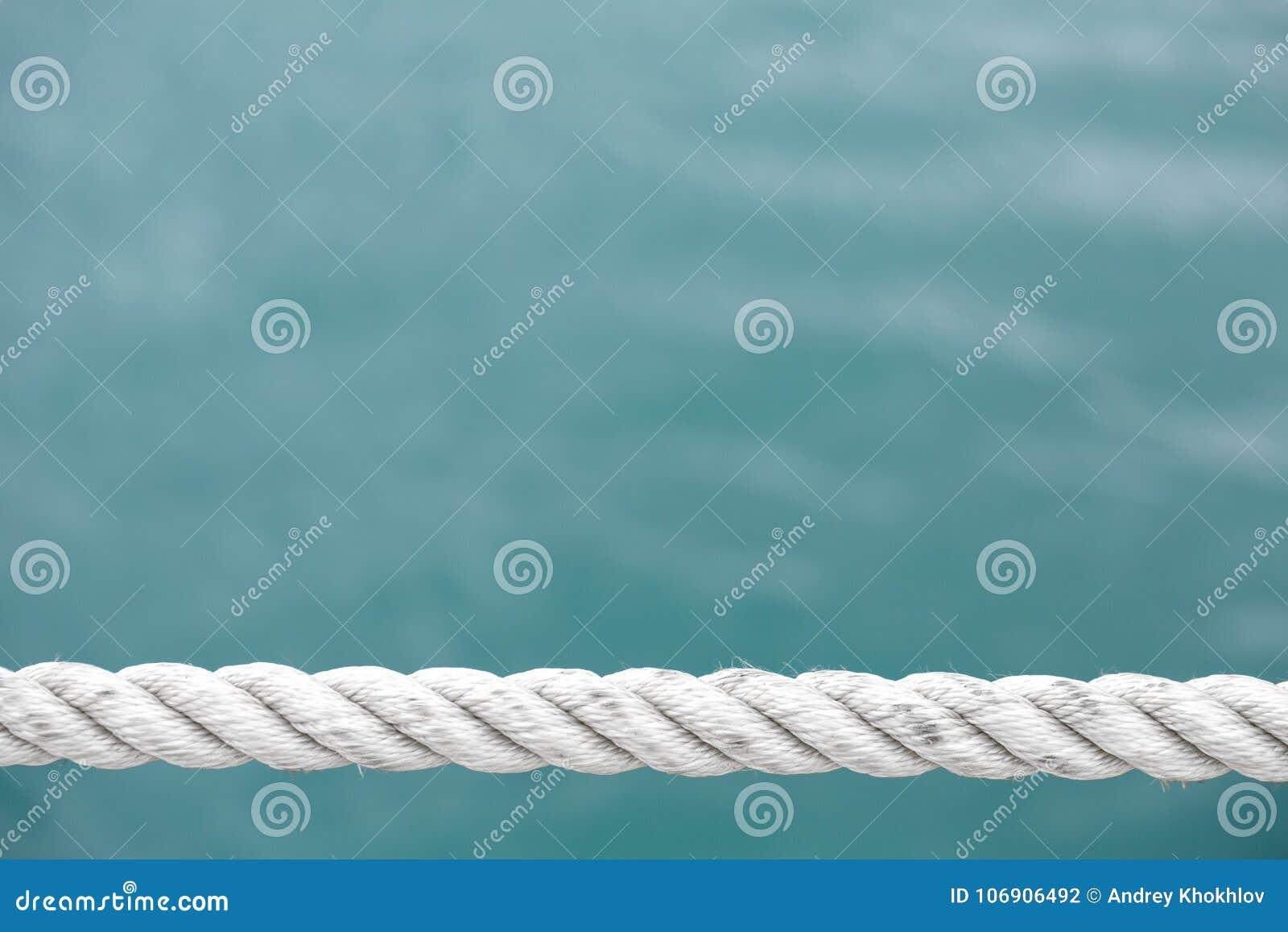 Silna denna arkana na błękitnym morzu