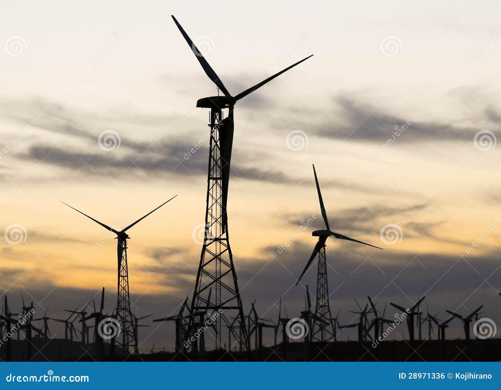Silnik wiatrowy sylwetka