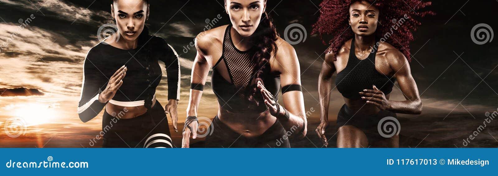 Silny sportowy, kobiety szybkobiegacz, biega na ciemnym tle jest ubranym w sportswear, sprawności fizycznej i sporta motywaci,
