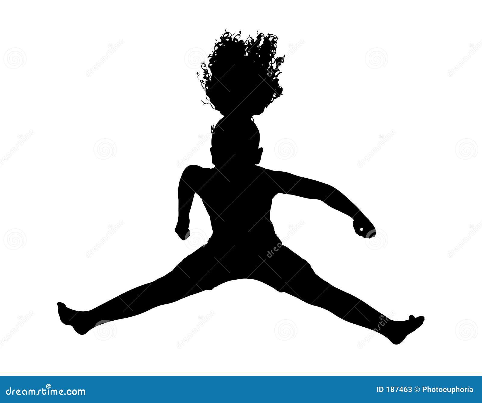 Silueta con el camino de recortes del salto de la chica joven