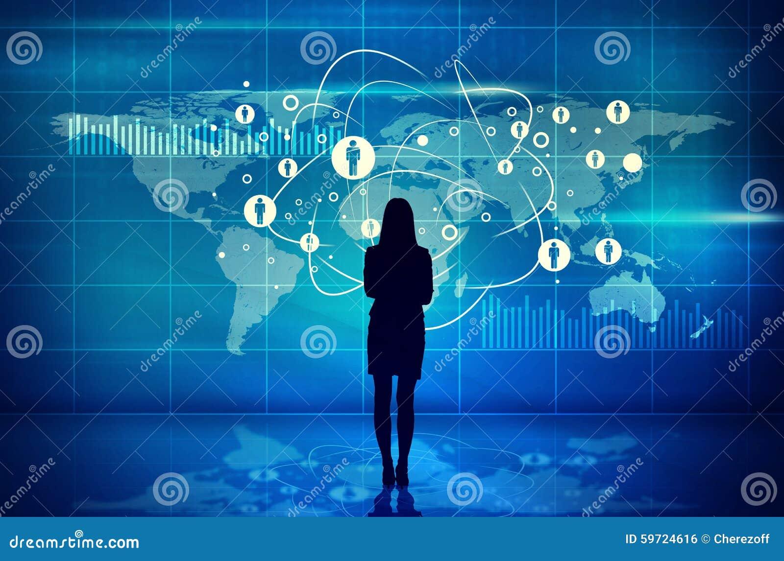 Silueta de Businesswomans con la pantalla virtual